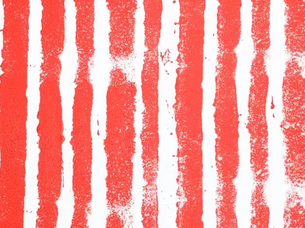 10. Trang trí tường nhà với họa tiết kẻ sọc