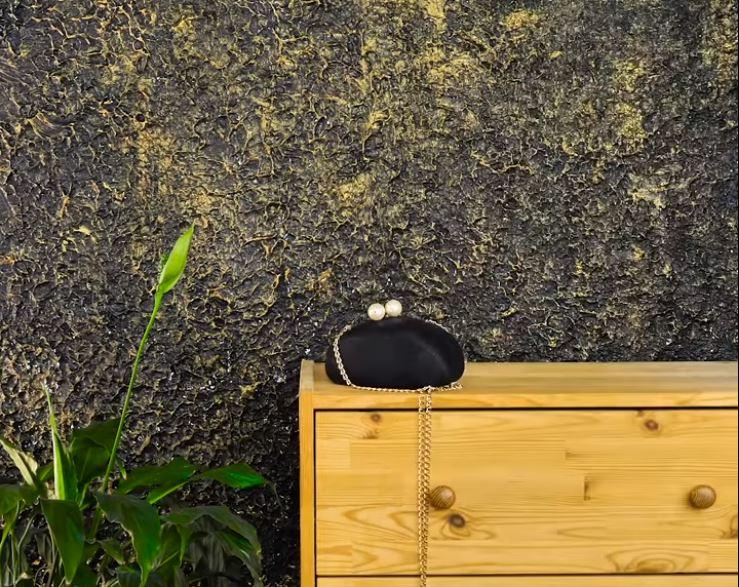 Thêm hiệu ứng nhũ vàng nổi bật cho bức tường