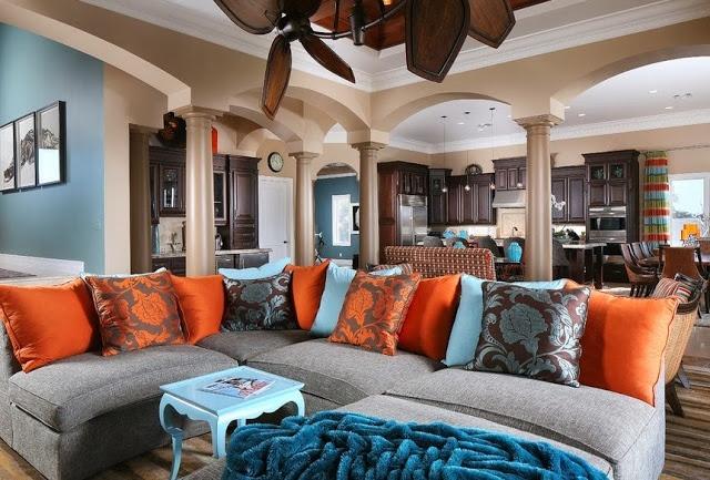 Phối màu sơn nhà với màu cam và xanh da trời