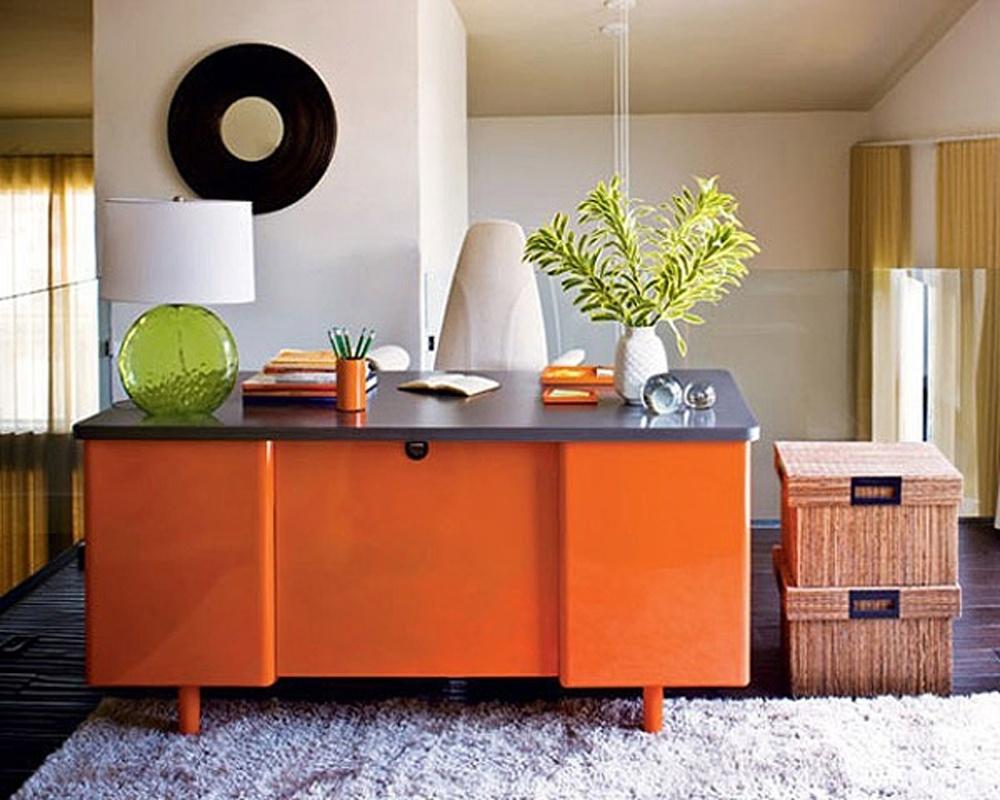 Phối màu sơn nhà với màu cam và màu xám
